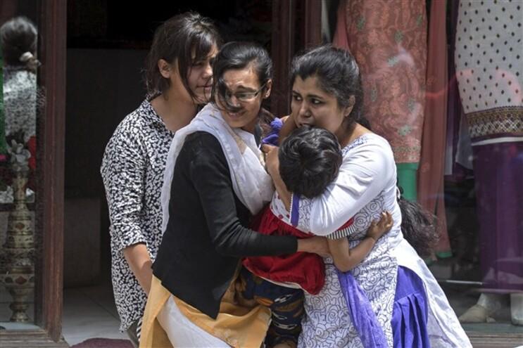 Sismo de 7,4 na escala de Richter sacudiu hoje o Nepal