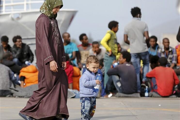 Guarda Costeira italiana resgata 741 pessoas no Mediterrâneo