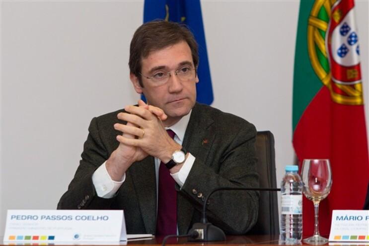 Passos Coelho diz que há muito trabalho com a Grécia nas próximas 48 horas