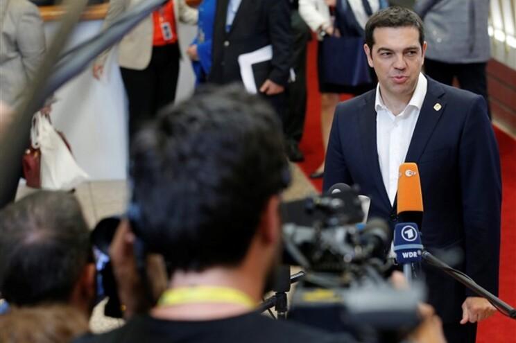 """O primeiro-ministro grego, Alexis Tsipras, disse lamentar que o FMI não tenha aceitado as """"medidas compensatórias"""""""