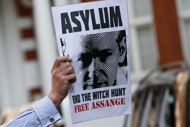 O fundador do WikiLeaks, que faz 44 anos esta sexta-feira, vive em reclusão na Embaixada do Equador em