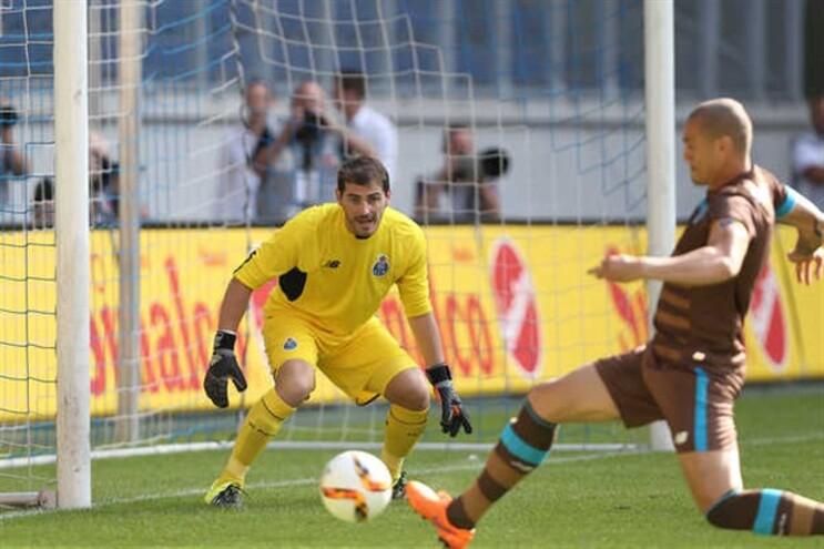 Casillas na estreia pelo F.C. Porto