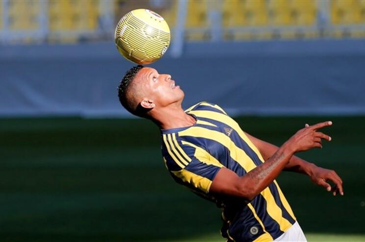 Nani é um dos portugueses a jogar na equipa turca