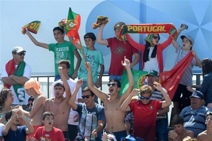 Bancadas têm estado ao rubro nos jogos de Portugal no mundial de futebol de praia