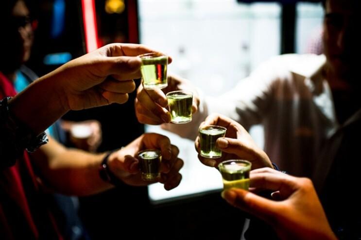 Álcool proibido a menores de 18 anos