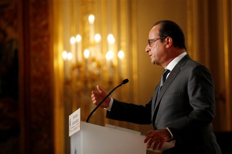 Hollande descartou uma intervenção militar terrestre na Síria