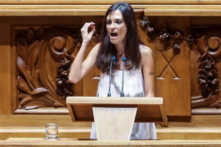 Socialista Isabel Moreira considera Cavaco grande fator de instabilidade