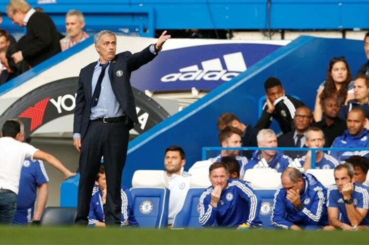 Liverpool deixa José Mourinho em situação complicada
