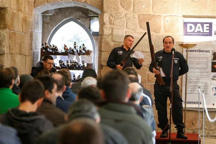 PSP do Porto vendeu 180 armas em leilão