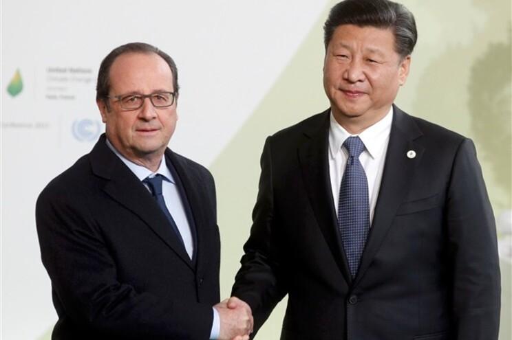 O Presidente francês Francois Hollande recebe o Presidente chinês Xi Jinping