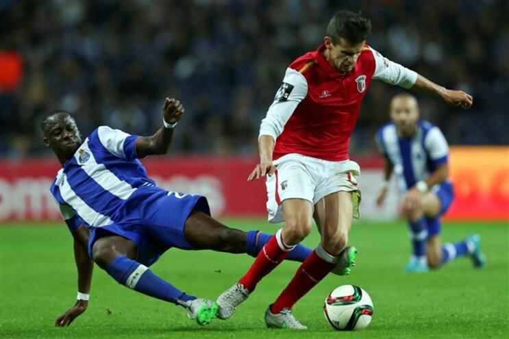 Cissokho deixa F.C. Porto e regressa ao Aston Villa