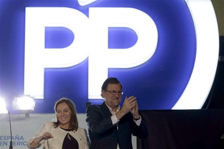 Mariano Rajoy festeja magro triunfo