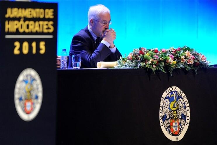 Bastonário diz falha no São José não foi causada por médicos