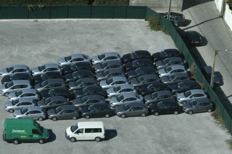 Vendas de carros em Portugal sobem 25% em 2015