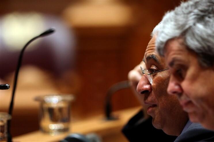 Mário Centeno vai aumentar o teto do endividamento do país por causa do Banif