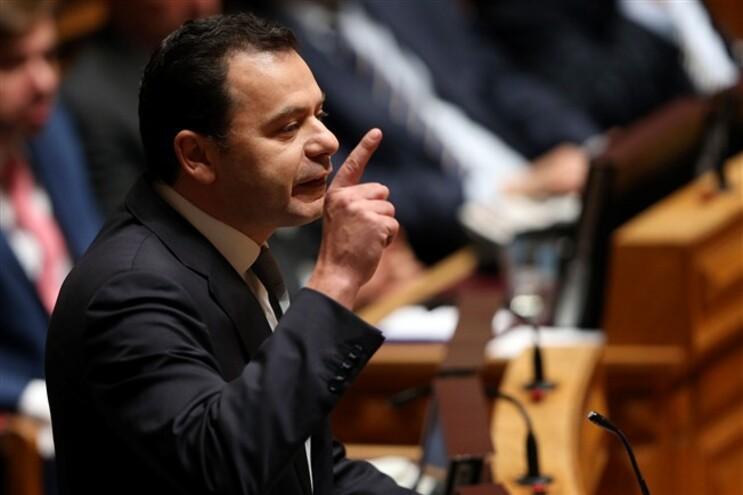 O líder da bancada parlamentar do Partido Social Democrata (PSD), Luís Montenegro