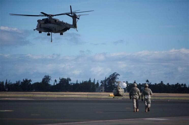 Dois helicópteros militares dos EUA colidem no Havai