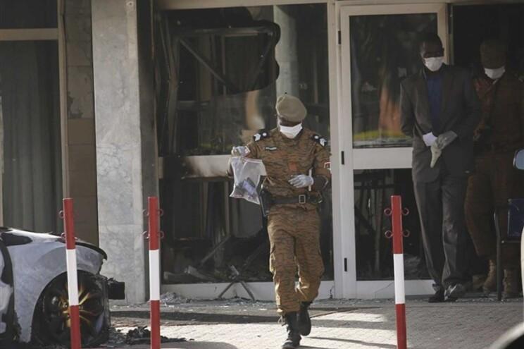 Ataque visou hotel e restaurante frequentado por estrangeiros em Ouagadougou