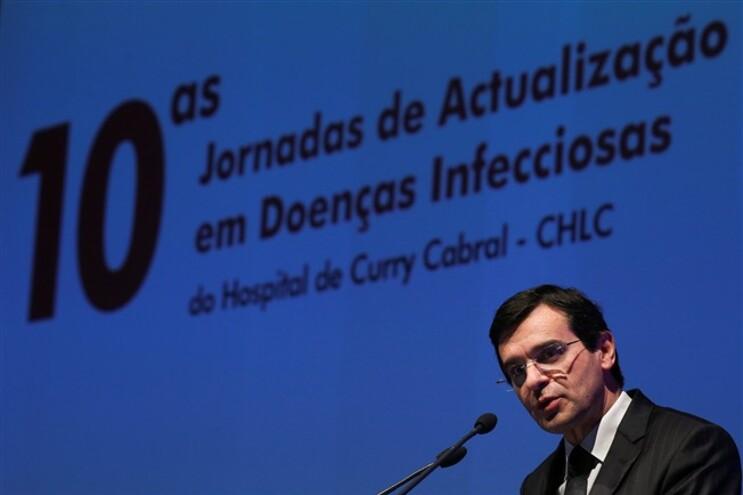 Ministro assegura que foram tomadas medida no caso da bactéria multirresistente