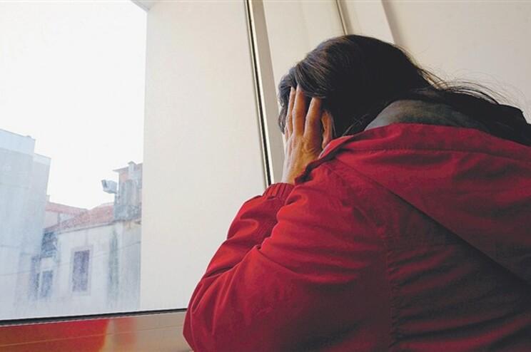Um quarto dos jovens considera normal a violência entre namorados