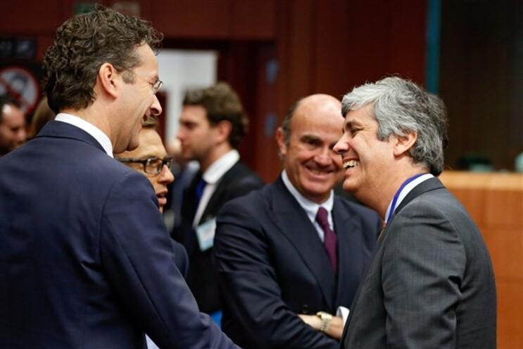 """Eurogrupo diz que Portugal se compromete a tomar """"medidas adicionais"""""""