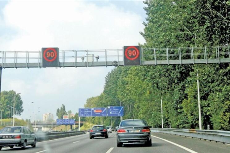 Sistema de controlo de velocidade fixo estava prometido desde 2008