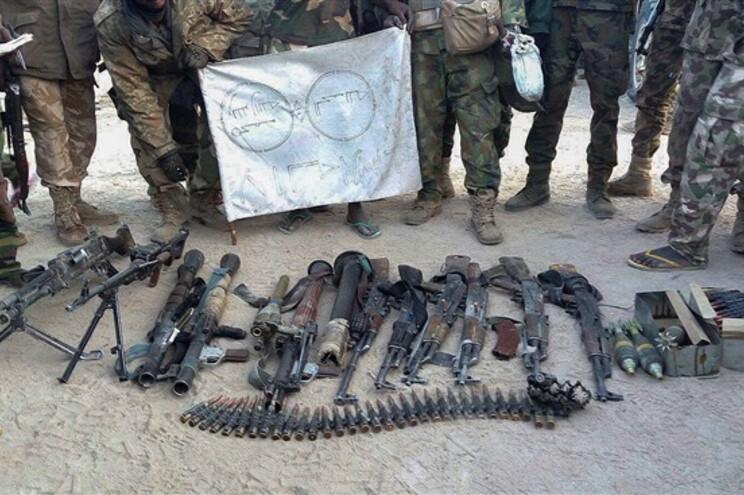 Armas apreendidas ao Boko Haram pelo exército nigeriano