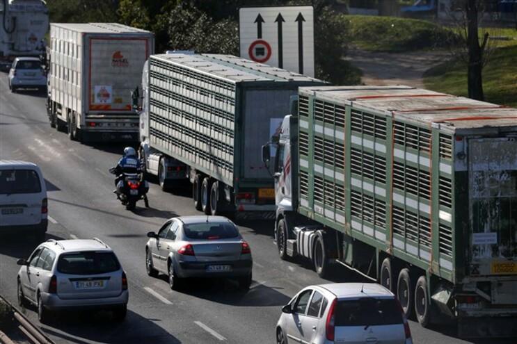 Camionistas contra o aumento do imposto sobre os combustíveis