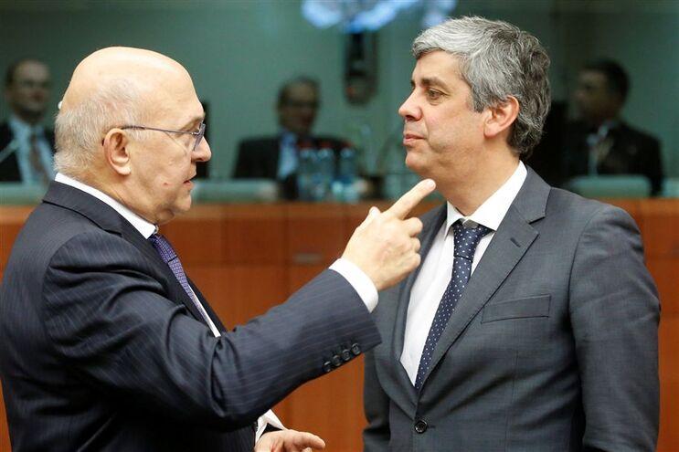 Comissão Europeia continua a pressionar Portugal