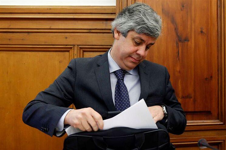 Bruxelas aperta ministro das Finanças, Mário Centeno