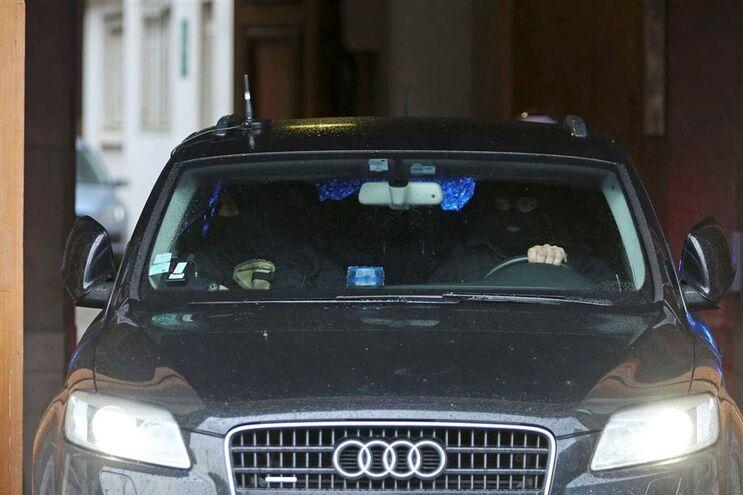 Salah Abdeslam foi presente a tribunal, em Paris