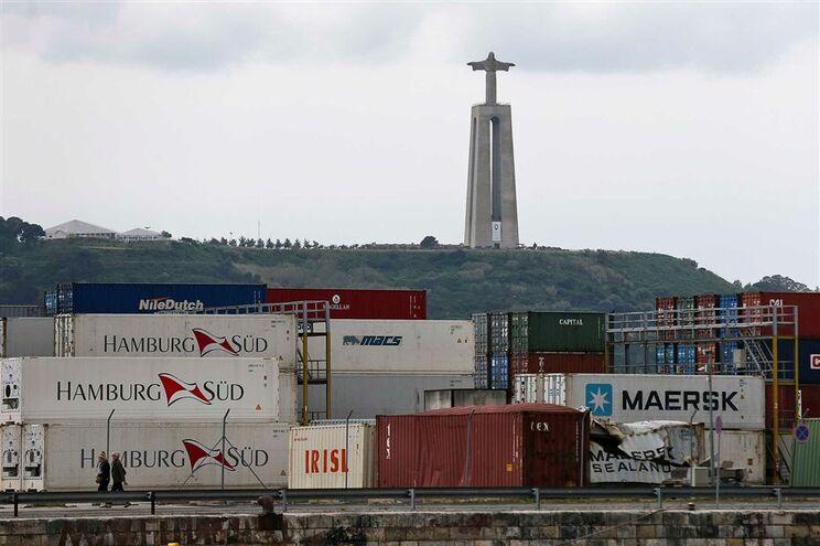 Porto de Lisboa está parado há vários dias devido à greve dos estivadores