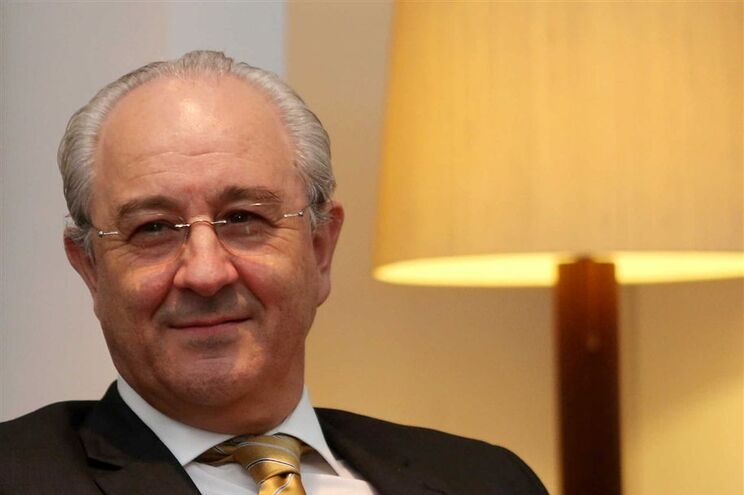 """""""O alívio da austeridade é o caminho correto, mas não à velocidade que está a ser feito"""", disse Rui Rio"""