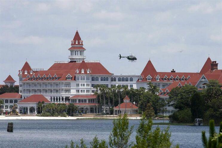 Disney vai sinalizar áreas de jacarés nos resorts