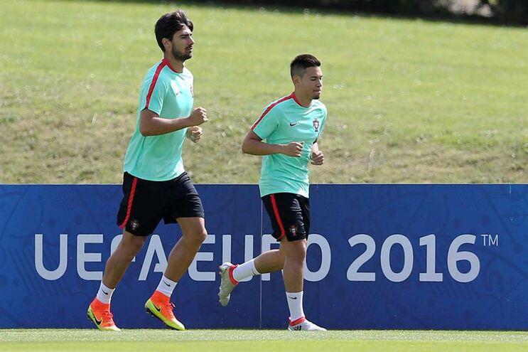 Guerreiro e Gomes condicionados na véspera do jogo com a Polónia