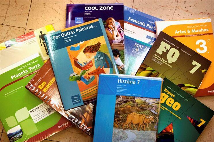 Ministério chegou a acordo com o setor livreiro para manter congelados os preços dos manuais escolares