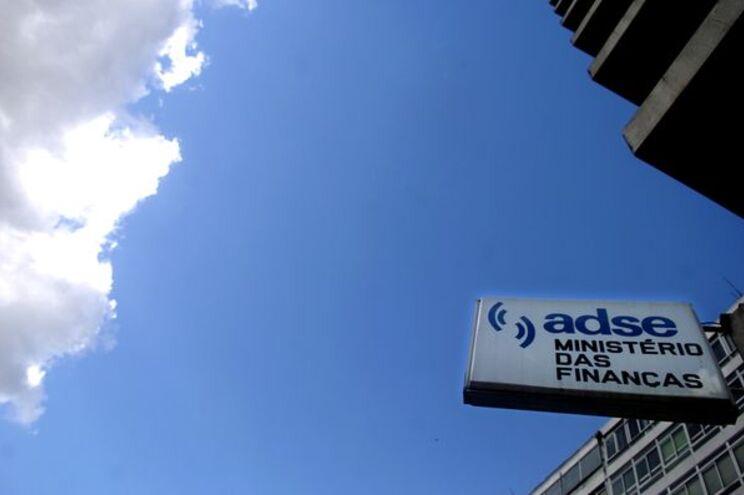 Sindicato da administração pública rejeita privatização da ADSE