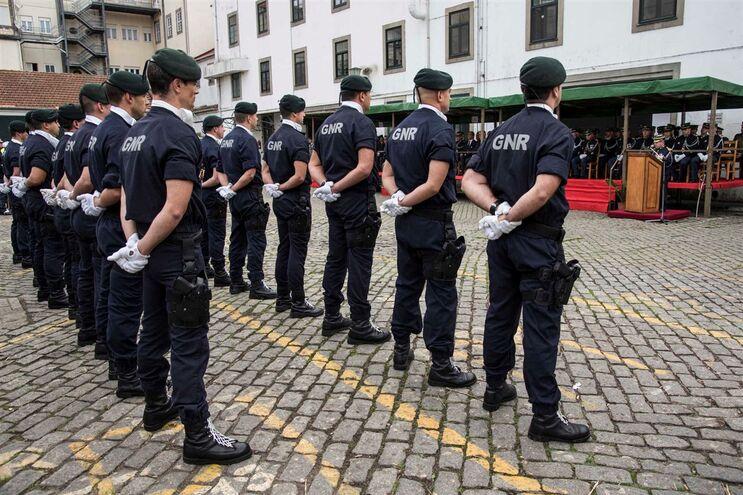 Mais de 600 polícias e guardas libertados de tarefas burocráticas