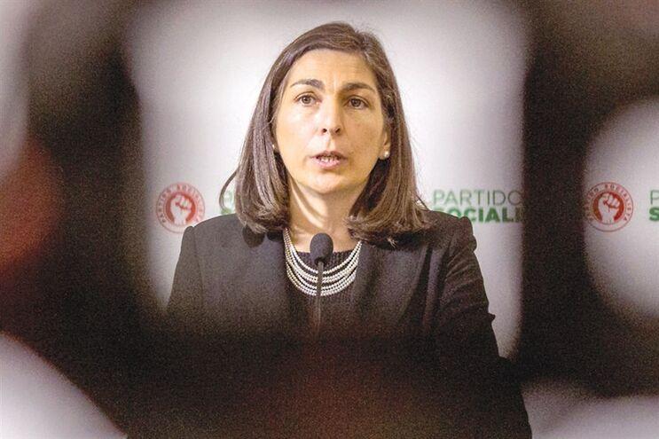 Ana Catarina Mendes, secretária-geral-adjunta do PS desde dezembro de 2015, obrigada a gerir passivo