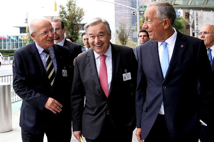 Ministro dos Negócios Estrangeiros, Augusto Santos Silva, o candidato a secretário-geral da ONU António