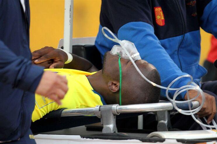 Enner Valencia abandonou o estádio em maca e com máscara de oxigénio