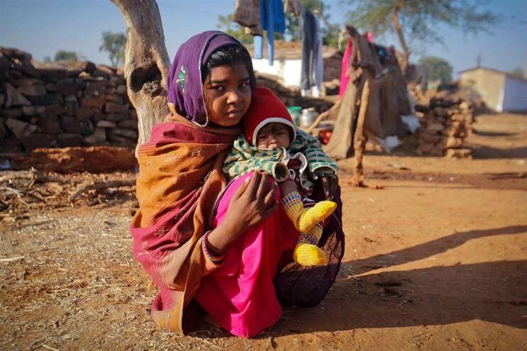 A cada sete segundos casa uma menina com menos de 15 anos