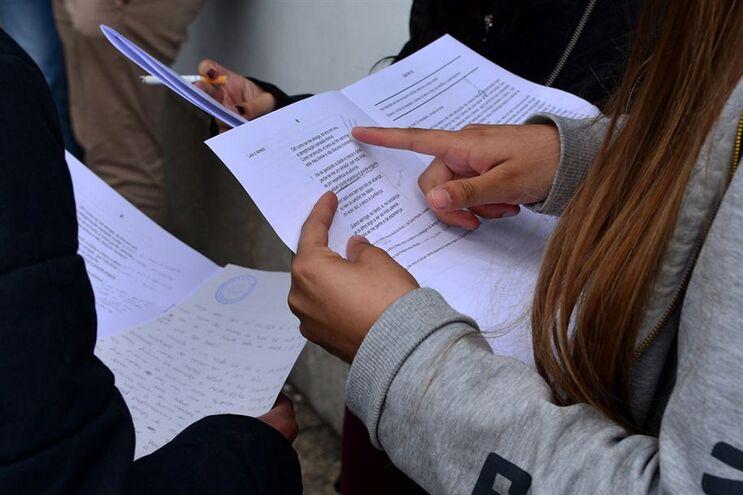 Só 27% dos alunos mais pobres têm boas notas