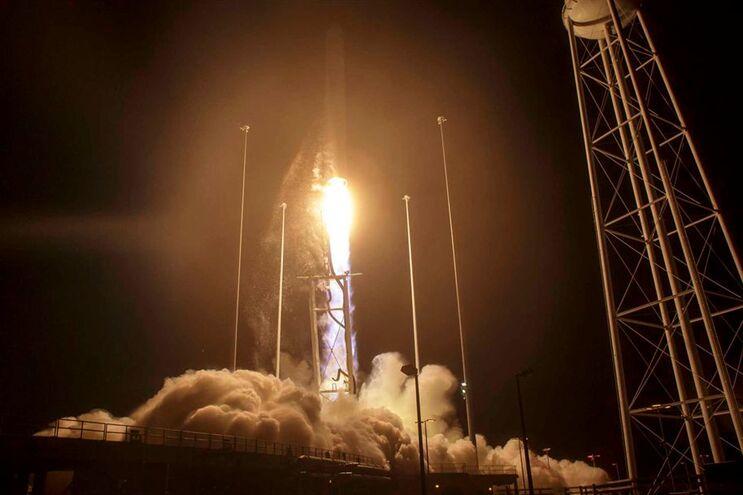 A cápsula foi lançada pela empresa norte-americana Orbital ATK na segunda-feira