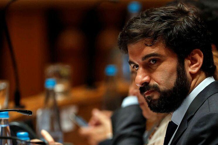 Tiago Brandão Rodrigues foi ao Parlamento para discussão sobre Orçamento
