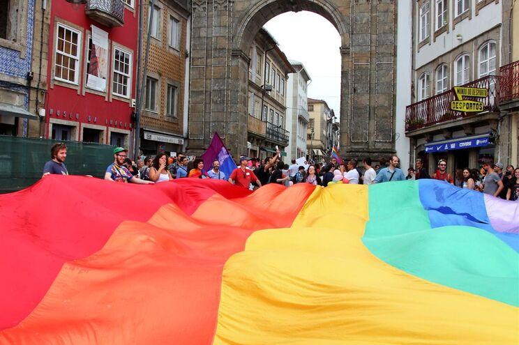 Associações LGBT têm apoio contra violência