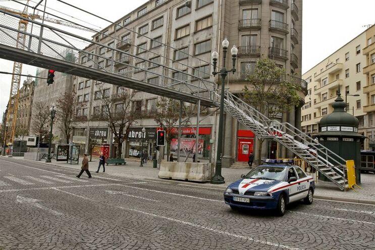 O trânsito na Avenida dos Aliados vai estar cortado, segundo informou a Polícia de Segurança Pública