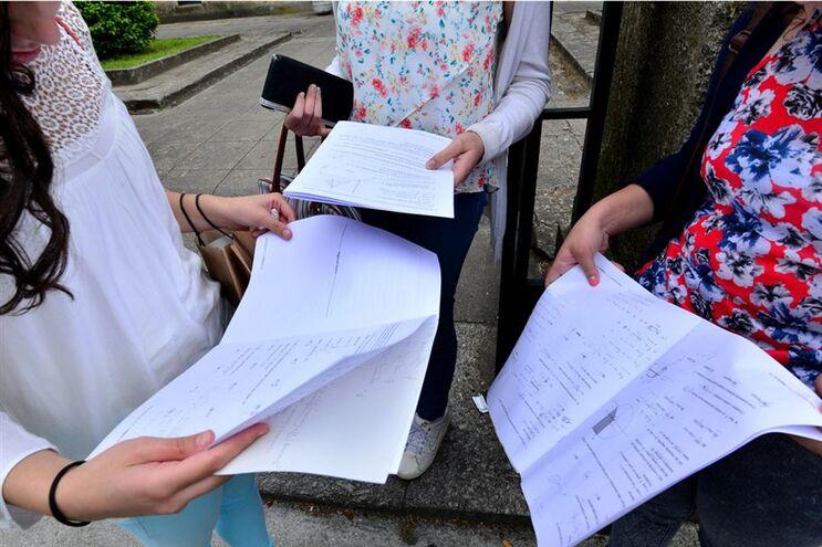 Em Portugal foram avaliados 5851 alunos do 12.º ano - 4068 a Matemática; 1783 a Física