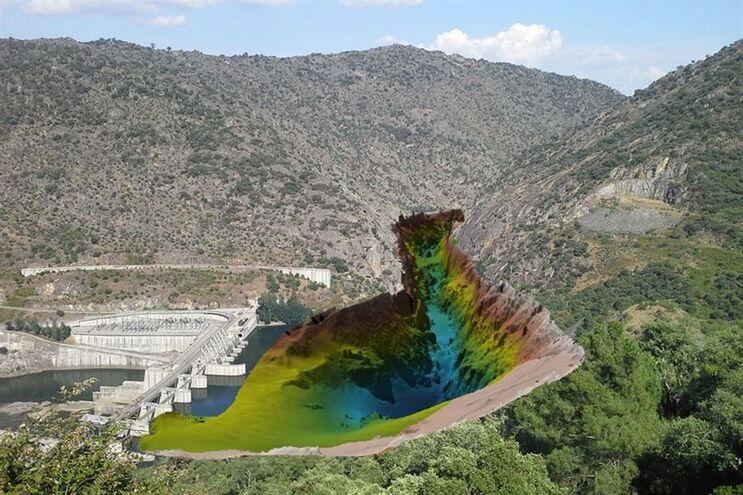 Dados do fundo do rio adquiridos a montante da barragem da Valeira, rio Douro