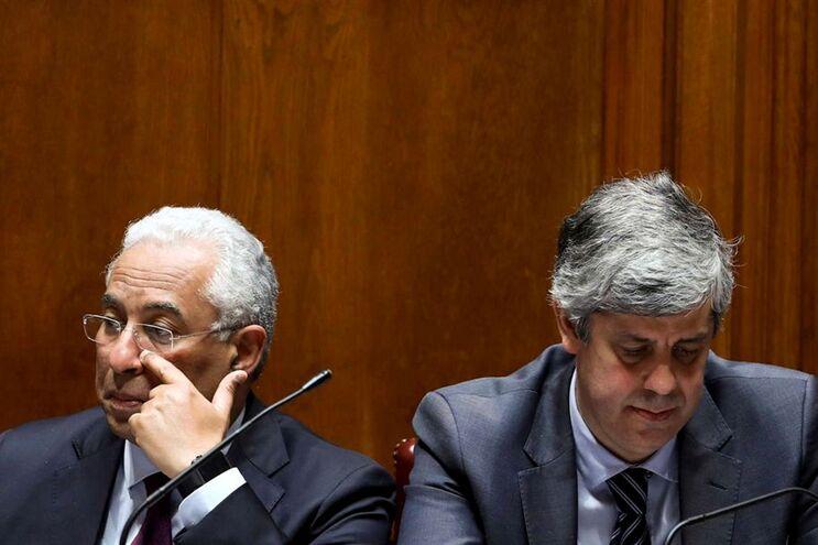Primeiro-ministro e o ministro das Finanças no debate quinzenal